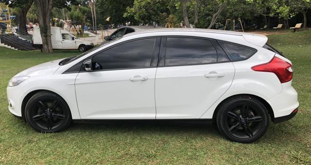 Vendo Focus Hatch SE Plus com farol de xenon e LED - Foto 5
