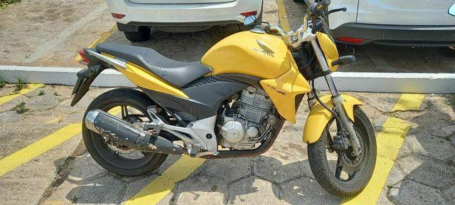 CB 300 Vendo ou Assumo Repasse de Carro