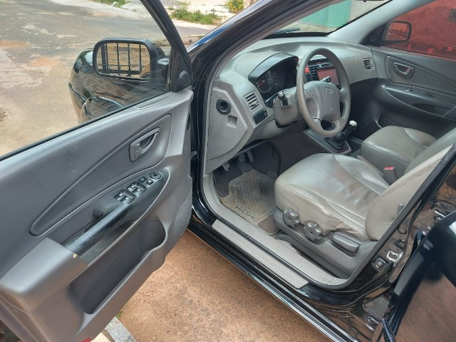 Hyundai Tucson câmbio manual - Foto 15