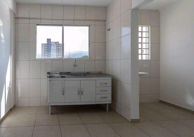Apartamento para alugar com 3 dormitórios em Zona 05, Maringá cod:3610017882 - Foto 5