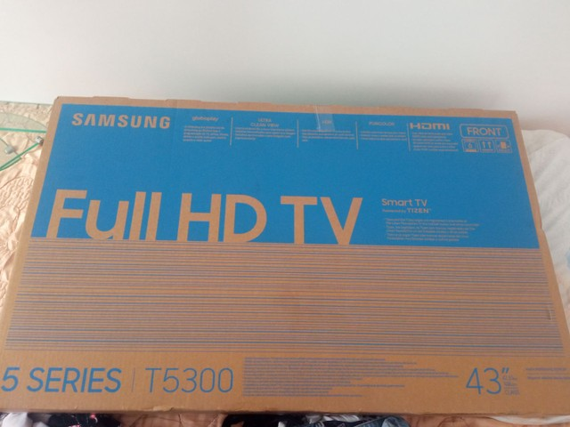 "Tv Samsung 44"" completa de tudo"