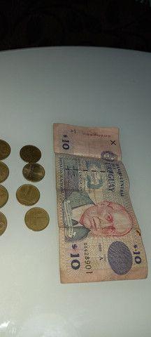Lote de moedas e cedula do Uruguai antigas - Foto 2