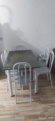 Mesa 06 cadeiras com tampo de cimento