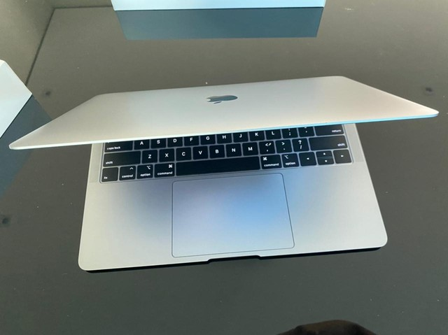 MacBook semi novo  - Foto 3