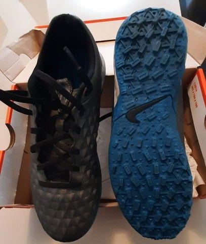 Chuteira Society Nike n°38 - Foto 2
