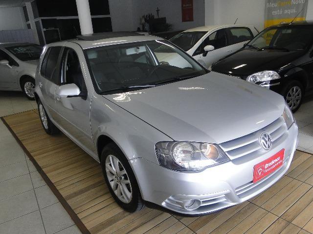 Volkswagen Golf 1.6 Sportline top c/teto/couro 'financio'