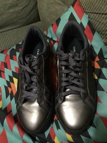 4438d8f178 Lindo tênis tanara - Roupas e calçados - Novo Mundo