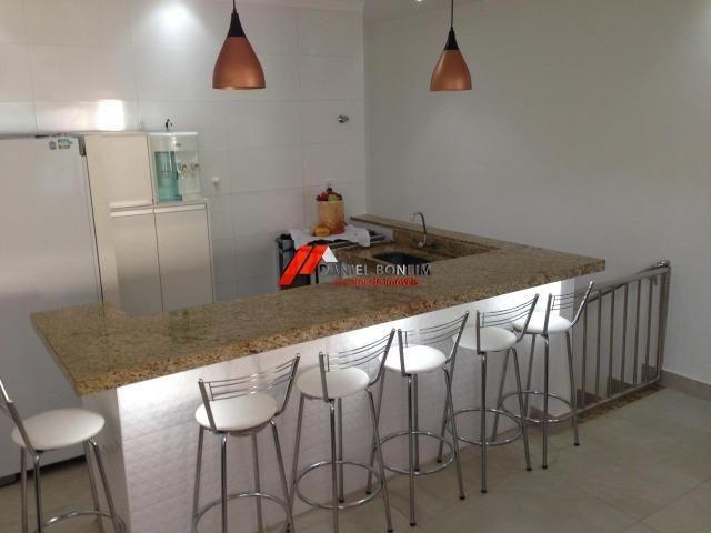 Casa com ótima área e móveis planejados no bairro Cidade Nova