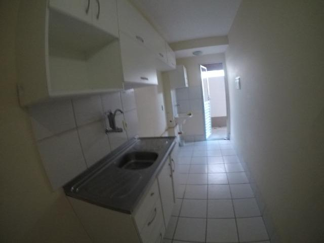 E.R-Apartamento com 2 quartos com quintal em Colina de Laranjeiras
