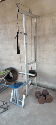 Um puxador(pulley)