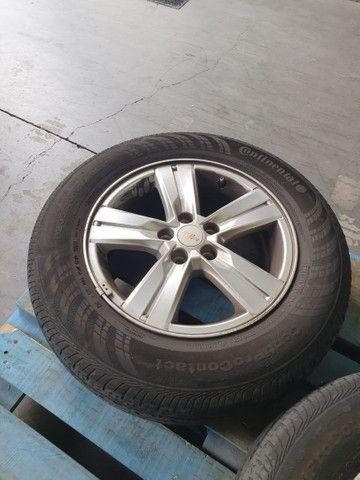 Rodas e pneu da Tracker
