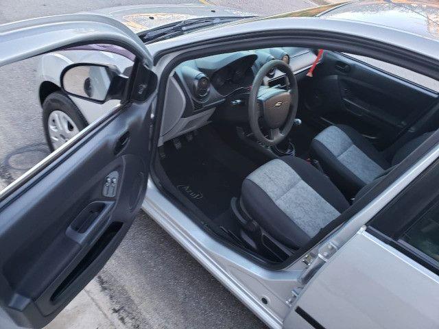 Fiesta 1.0 Sedan 2010 Valor R$ 17.900,00 - Foto 3