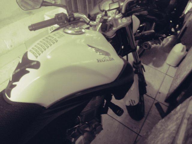 Moto honda 300 branca 30.000 klms - Foto 2