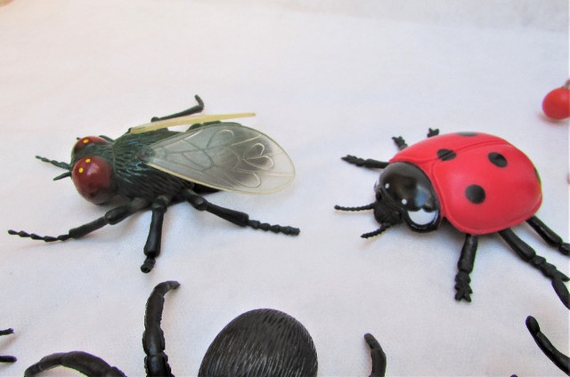 Kit Insetos De Borracha Aranhas Formigas Mosca C/18 - Foto 4