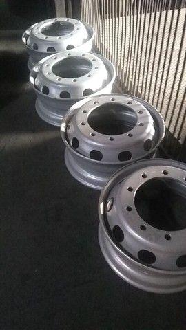 pneus novos rodas caminhão 275 295 - Foto 5