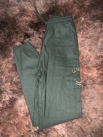 calça jogger verde militar - Foto 2