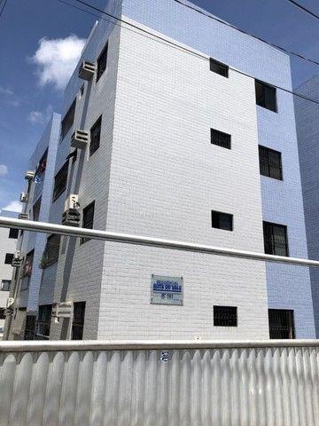 Apartamento nos Bancarios 2qts 700 com cond.