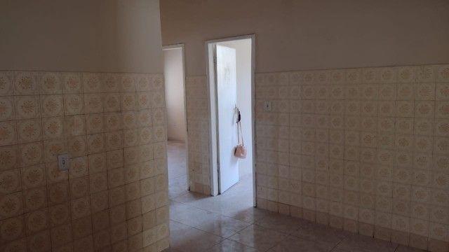 Casa com 3 quartos, 2 salas, copa, cozinha, banheiro, 2 varandas e 1 garagem. - Foto 6