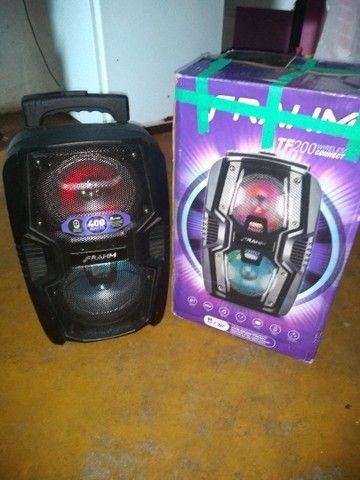 Vendo uma caixa de som muito boa ela está nova pouco tempo de uso