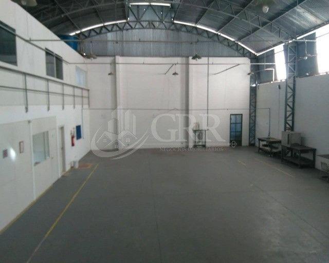 Aluguel - Galpão comercial no Jardim Aeroporto - Região Sudeste de São José dos Campos/SP
