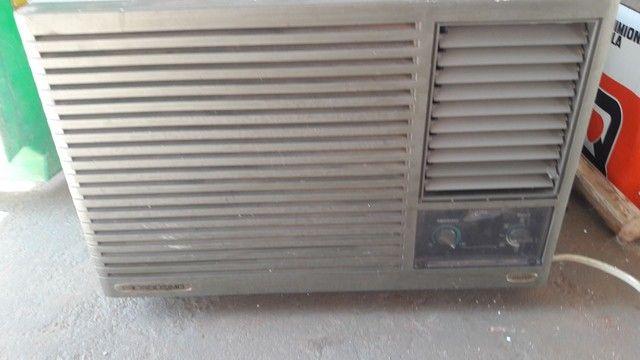 Ar condicionado 220v 11mil btus - Foto 2