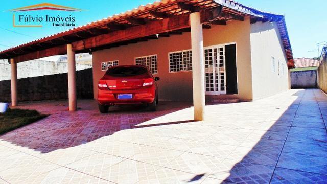 Imperdível! Casa térrea próximo ao Taguaparque, 4 quartos, churrasqueira