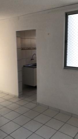 Vendo Apartamento no Cond. Vivendas Parnamirim com garagem coberta no 2º andar - Foto 17
