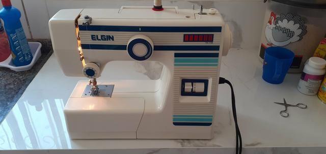 Vendo essa maquina de costura Elgin - Foto 3