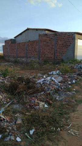 Vende-se ou troca esse terreno 8 x 16 cidade tucano Bahia - Foto 2