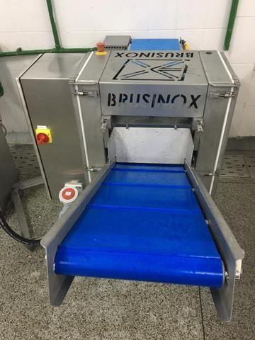 Máquina para tirar pele automática