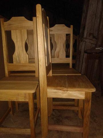 Cadeira toda em madeira - Foto 3