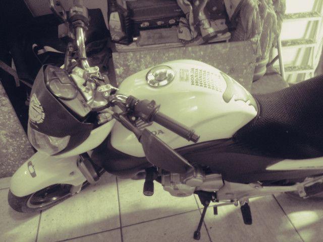 Moto honda 300 branca 30.000 klms - Foto 5