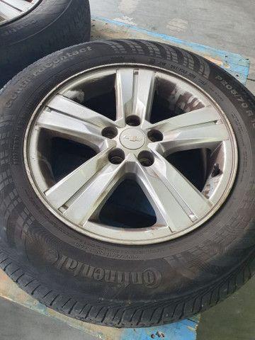 Rodas e pneu da Tracker - Foto 3