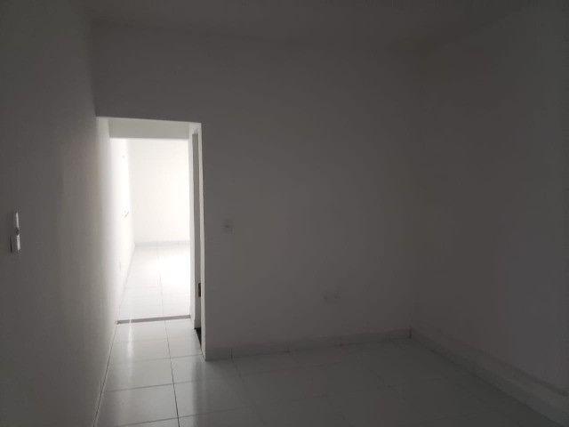 Oportunidade: Vendo Excelente Casa 5/4 no centro de Feira de Santana - BA - Foto 5