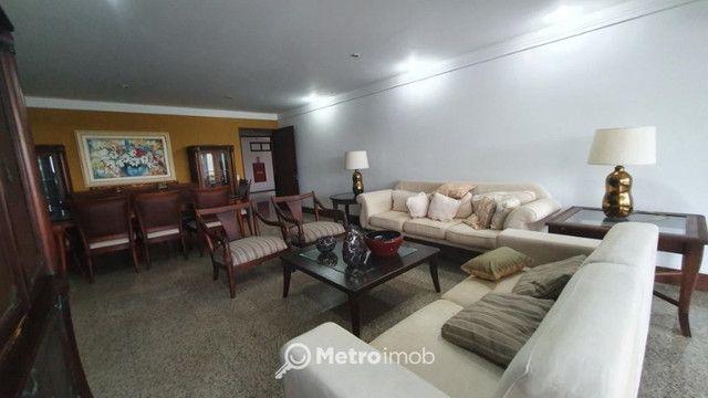 Apartamento com 3 quartos para alugar, por R$ 6.680/mês - Ponta D'Areia - CM