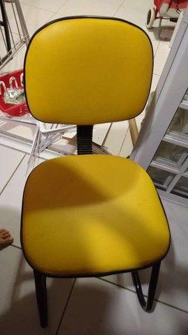 Cadeira moderna nova