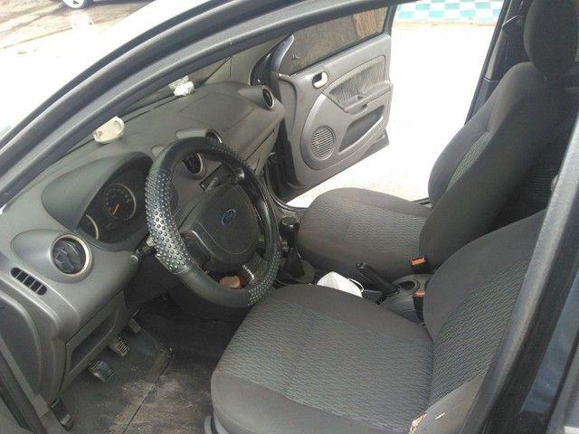 Fiesta 1.6 2006 - Foto 2
