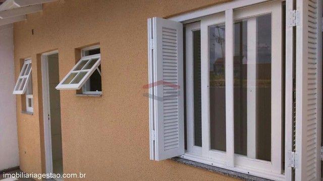 Casa de 2 ( dois ) dormitórios de esquina em NSR - Foto 8