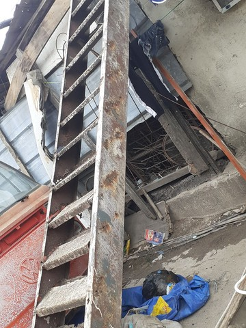 Vendo escada de 4 metros precisado fazer reformas  - Foto 5