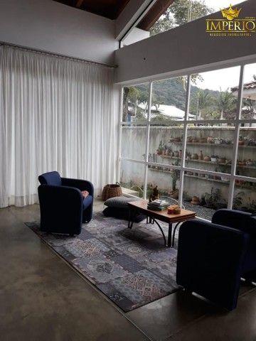 Casa com excelente localização em Bombas - Foto 9