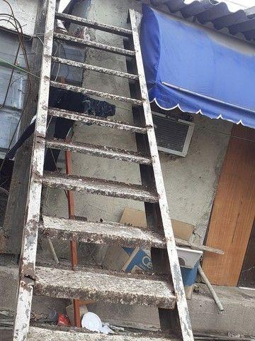 Vendo escada de 4 metros precisado fazer reformas  - Foto 6