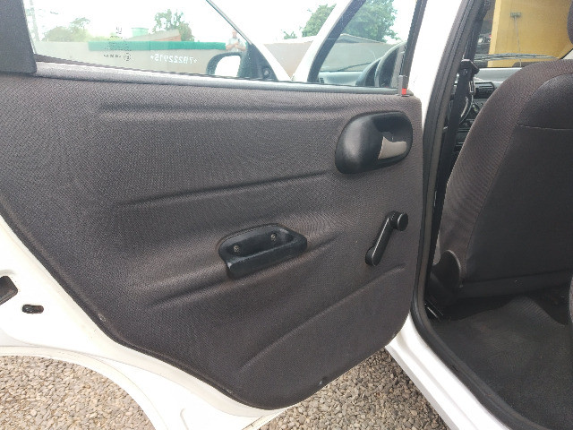 Corsa Sedan Classic Life 1.0 flex - Foto 17