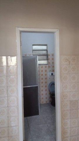Casa com 3 quartos, 2 salas, copa, cozinha, banheiro, 2 varandas e 1 garagem. - Foto 2