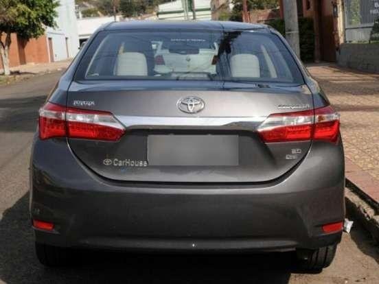 Vendo Toyota corolla 2.0  - Foto 3