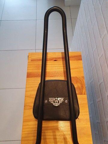Sissy bar destacável Wings Custom - King com bagageiro, 30 pol. Harley-Davidson Dyna - Foto 4