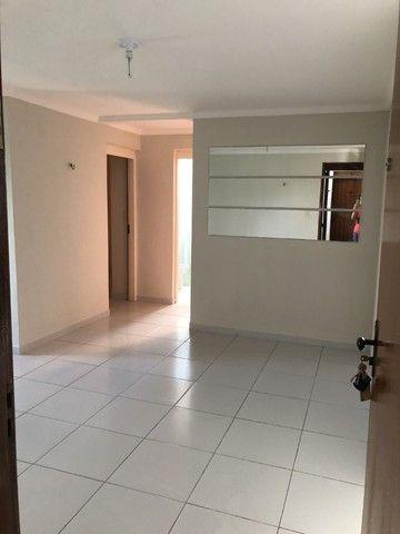 Apartamento nos Bancarios 2qts 700 com cond. - Foto 3