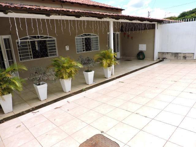 Dier Ribeiro vende casa na Quadra 2. Próximo ao quartel da PM