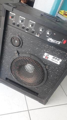 Vendo caixa de som ela liga e tudo só não sai o som dela para colocar e preço - Foto 2