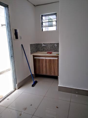 Kitnet locação ,toda no piso porcelanato, 700 reais - Foto 4