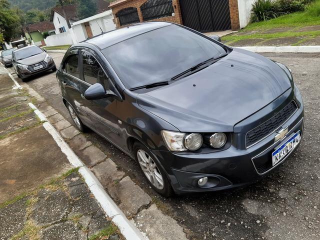 Chevrolet Sonic Sedan LTZ automático 2013